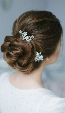 Gorgeous-wedding-updos-from-Enzebridal