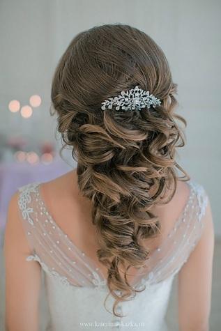 Katerina-Skazka-long-curly-wavy-wedding-hairstyle