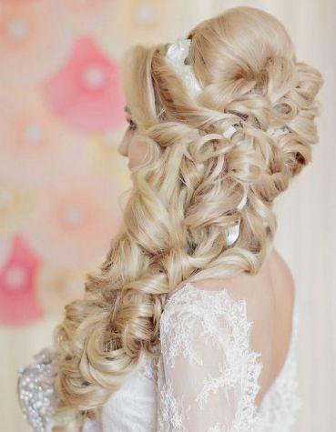 Liliya-Fadeeva-long-curly-wedding-hairstyle