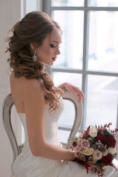 tsvetkovasstudio-long-wavy-wedding-hairstyles